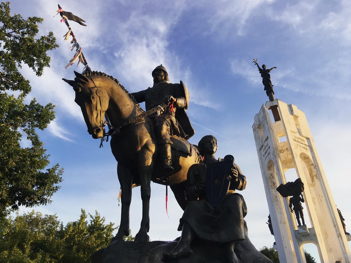 В Брянске организованы пешеходные экскурсии по городу