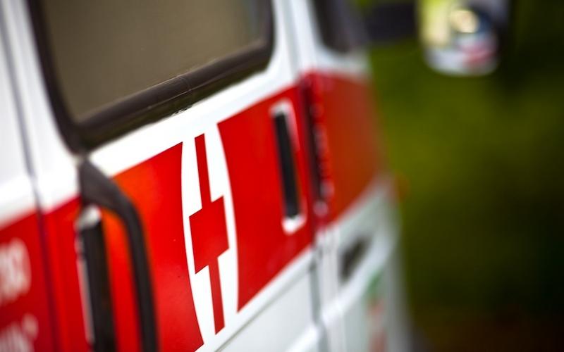 В поселке Путевка под колеса Volkswagen Polo попала 13-летняя девочка