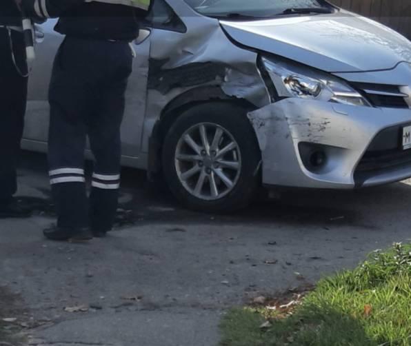В Новозыбкове на перекрестке столкнулись две легковушки