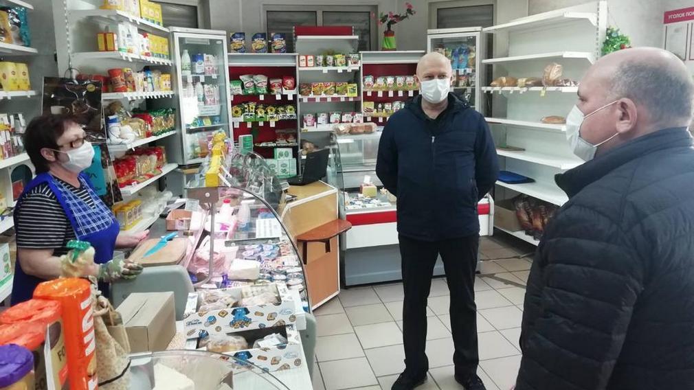 Покупателям дадут маски бесплатно в дятьковских магазинах