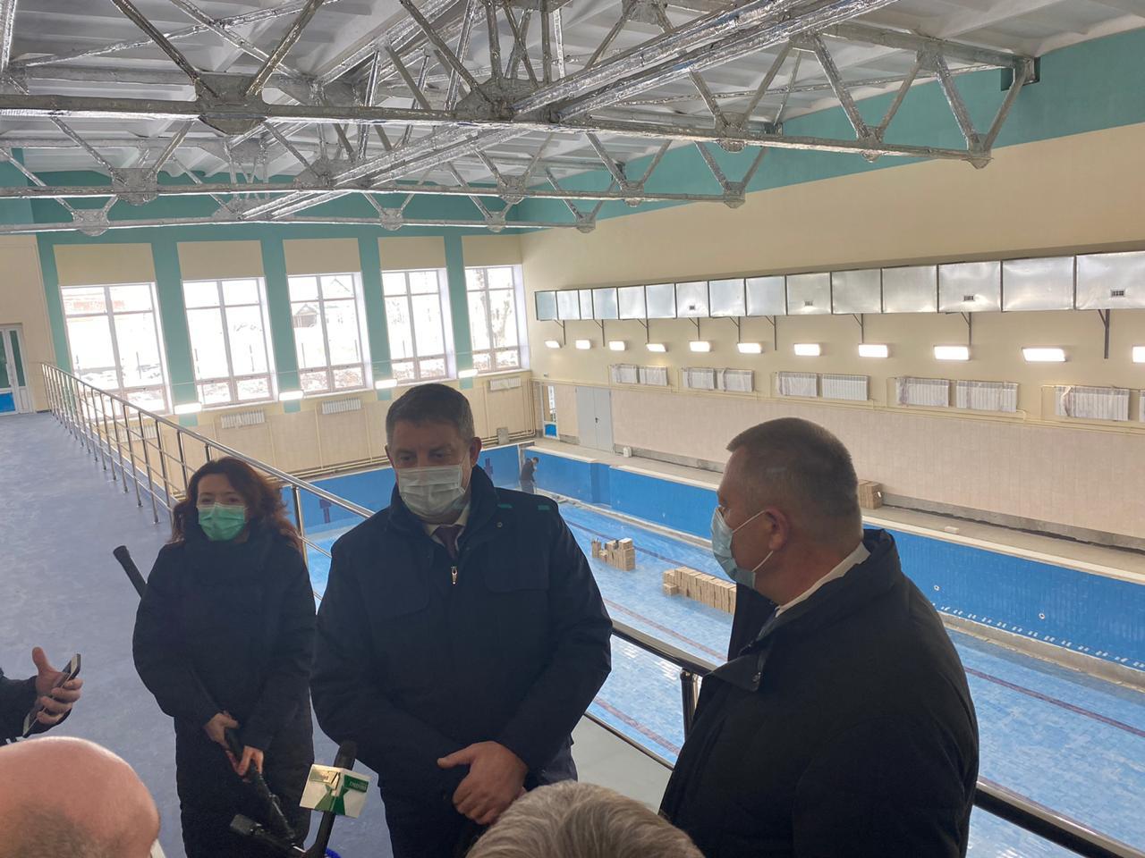 До конца года откроется спорткомплекс с бассейнами в Дятьково