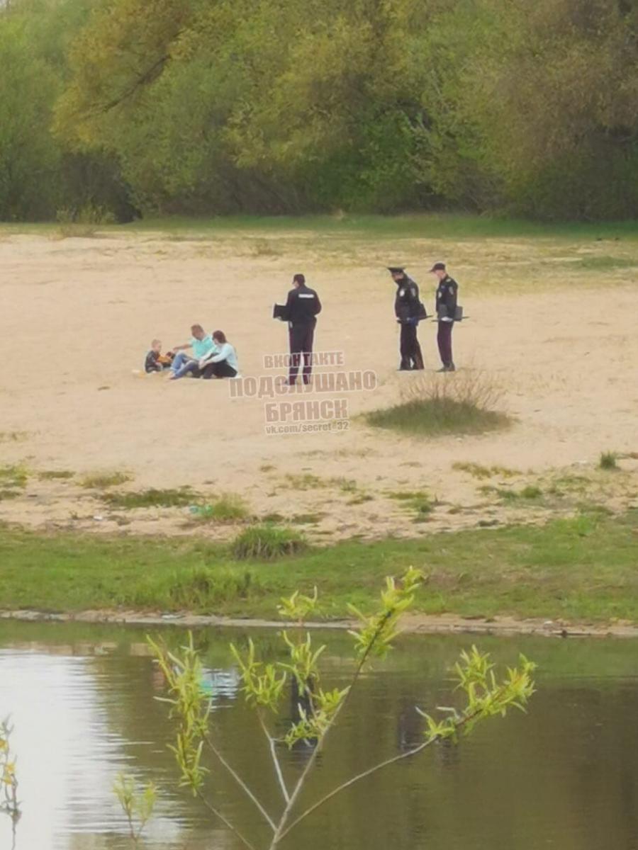 Брянская полиция нашла нарушителей самоизоляции за монастырем