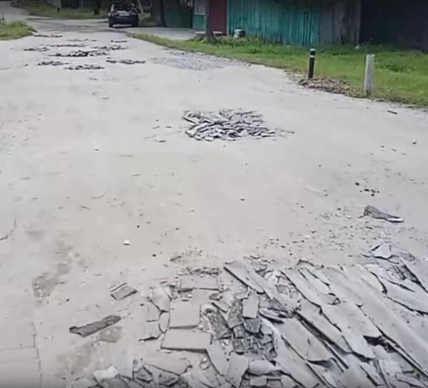 Брянцы пожаловались на убитую дорогу к школе №34
