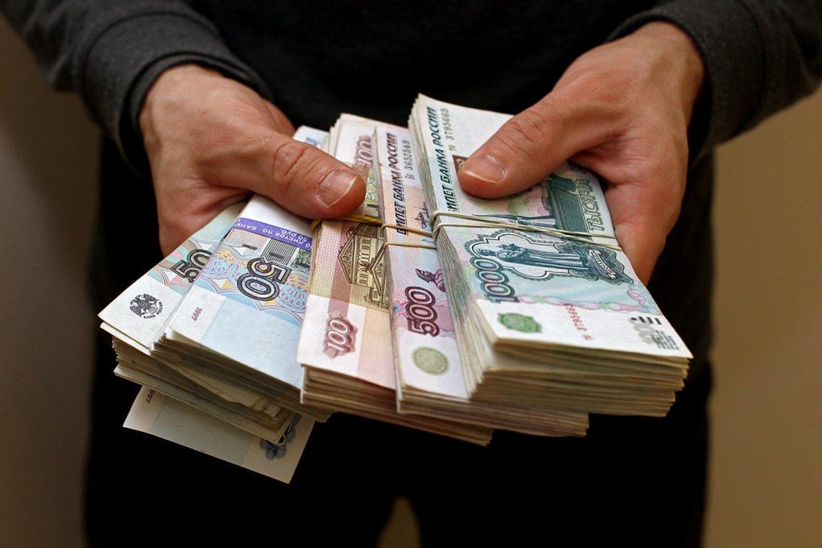 Директор брянского конструкторского бюро не выплатила работникам 3,5 миллиона рублей