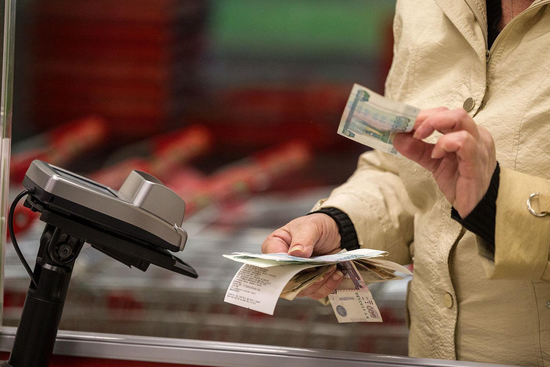 На Брянщине в апреле восемь человек расплатились фальшивыми купюрами