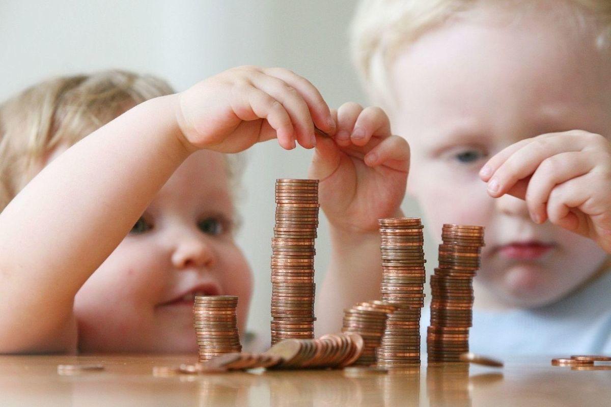 Более 1,8 млрд рублей было выделено из бюджета для выплаты пособий брянским семьям