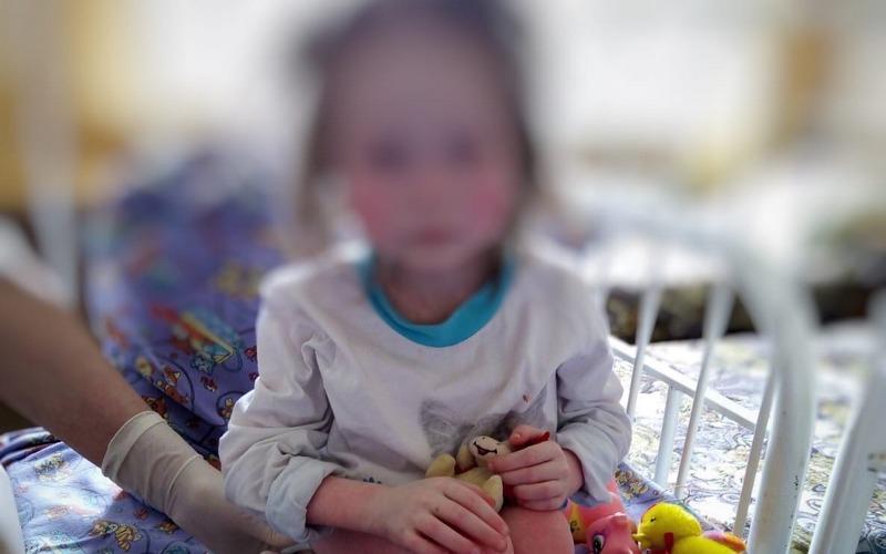 Сосед брянской семьи рассказал, как спас 7-летнюю девочку от страданий
