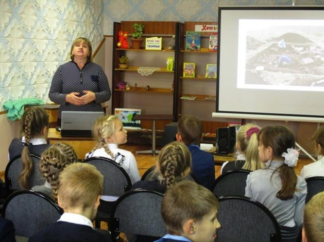 Клинцовские дети побывали в гостях у динозавров