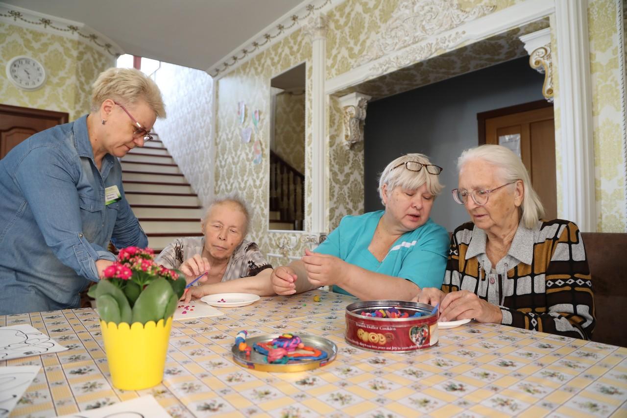 Брянцам старше 65 лет снова продлили режим самоизоляции