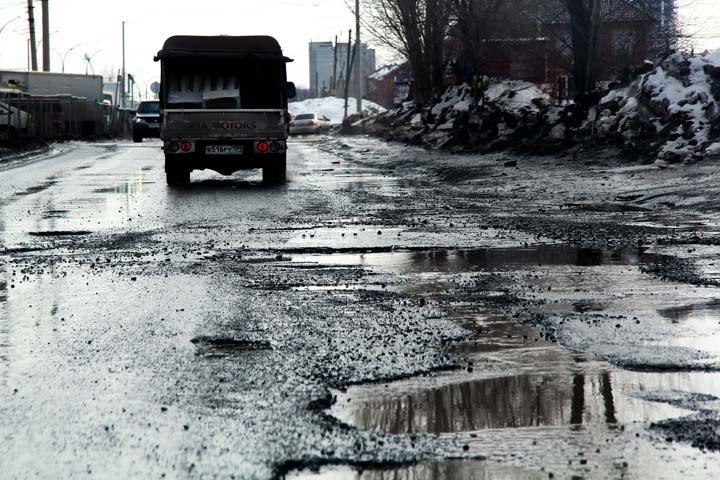 В Брянске выявили дефекты на 1 050 квадратных метрах отремонтированных дорог
