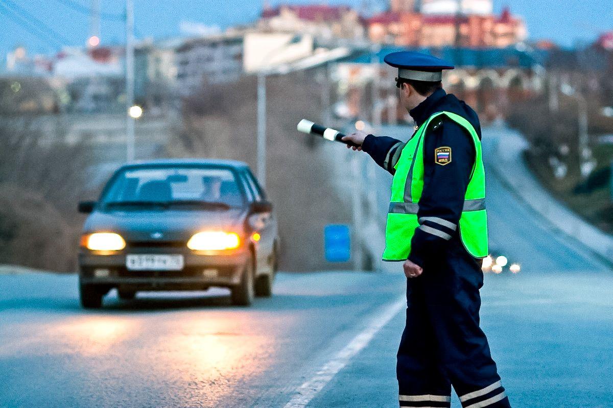 На новогодних праздниках в Брянске сотрудники ГИБДД устроят облавы на водителей