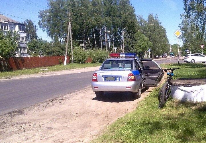 В брянском поселке водитель иномарки сбил ребенка на велосипеде