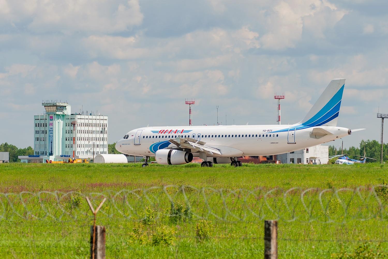 Самолет из Симферополя в Брянск вылетел с задержкой