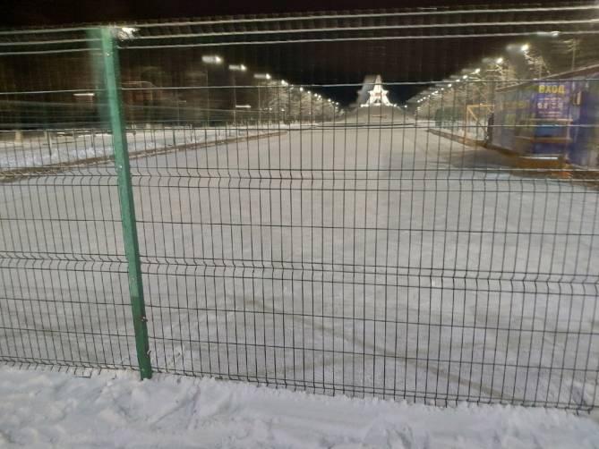 В Брянске начали подготавливать катки для массовых катаний