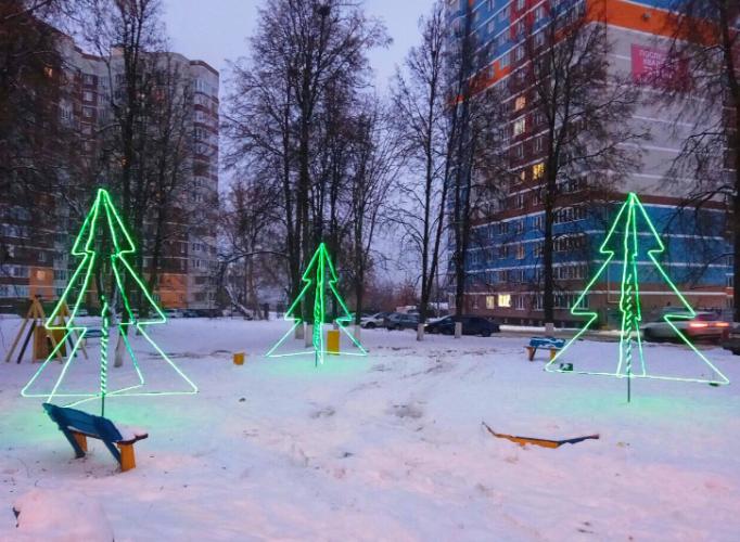 В Брянске появились новые праздничные украшения