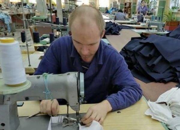 В Клинцах увеличивают выпуск защитных масок