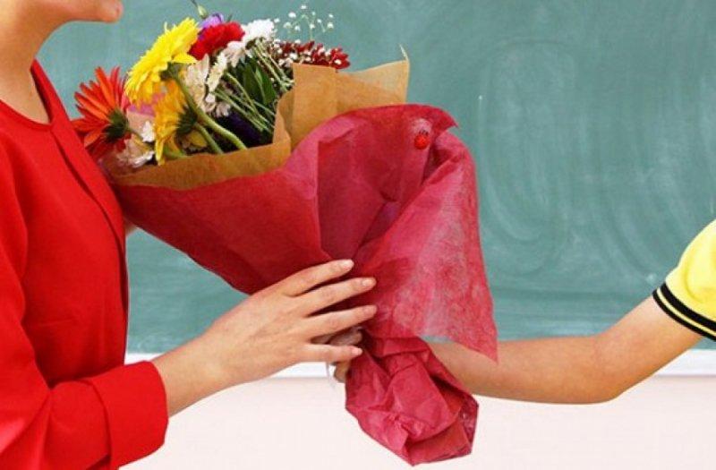 В Брянске мать школьника шокировал сбор денег на подарок учителю
