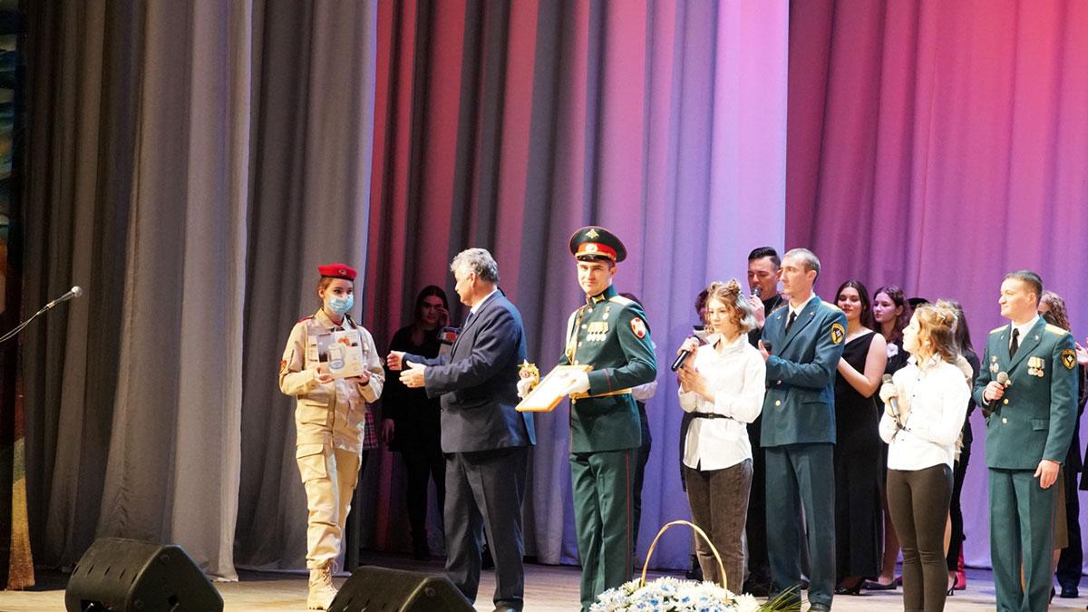 В Брянске наградили победителей фестиваля солдатской песни «Сюда нас память позвала»