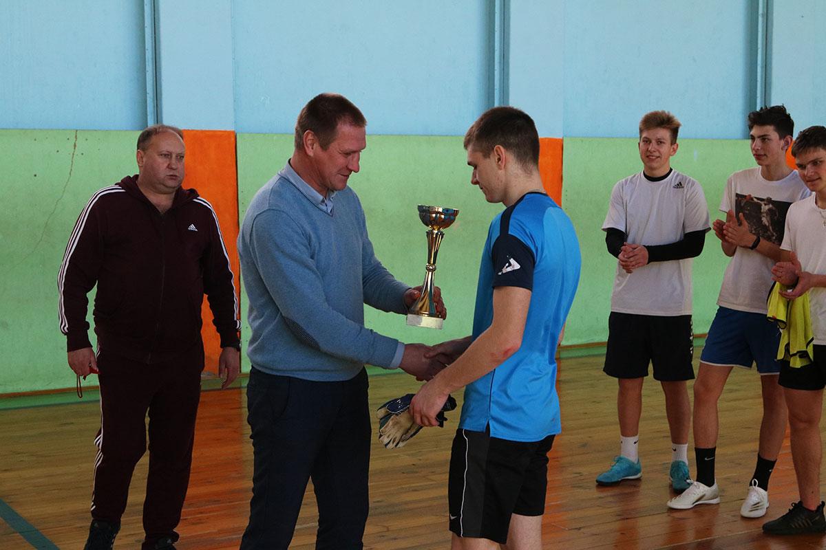 В Брянске стартовала серия футбольных матчей между юношами