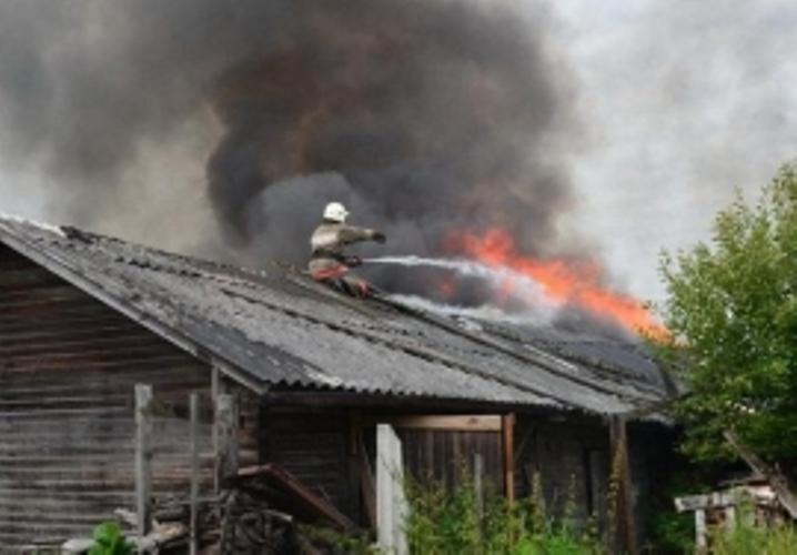 В Почепском районе сгорел частный гараж