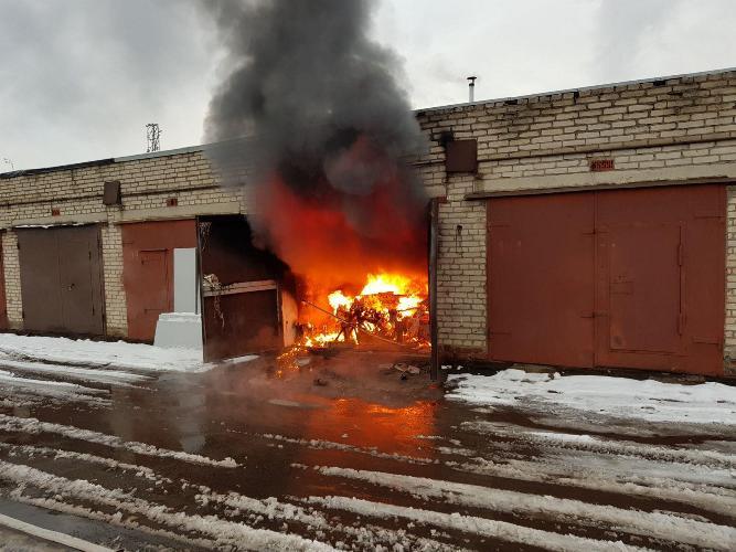 Сегодня утром в Жуковке сгорел гараж