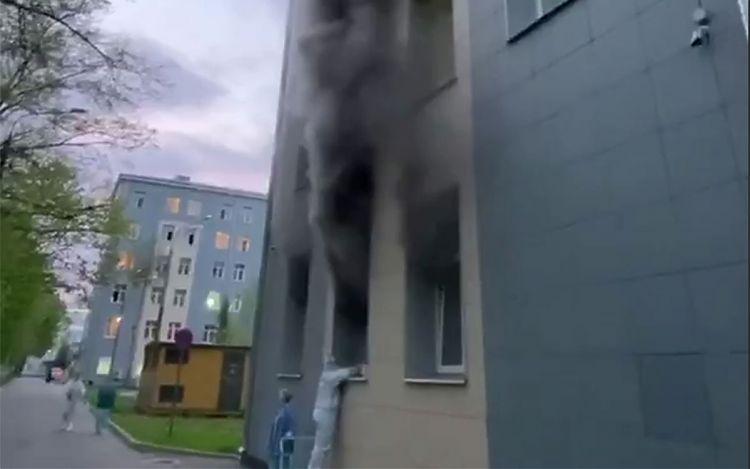 В Москве загорелась больница для пациентов с коронавирусом, есть погибший
