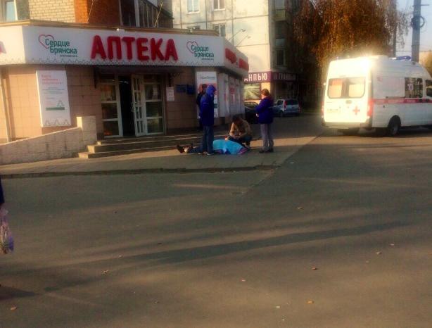 В Брянске на тротуаре скончался мужчина