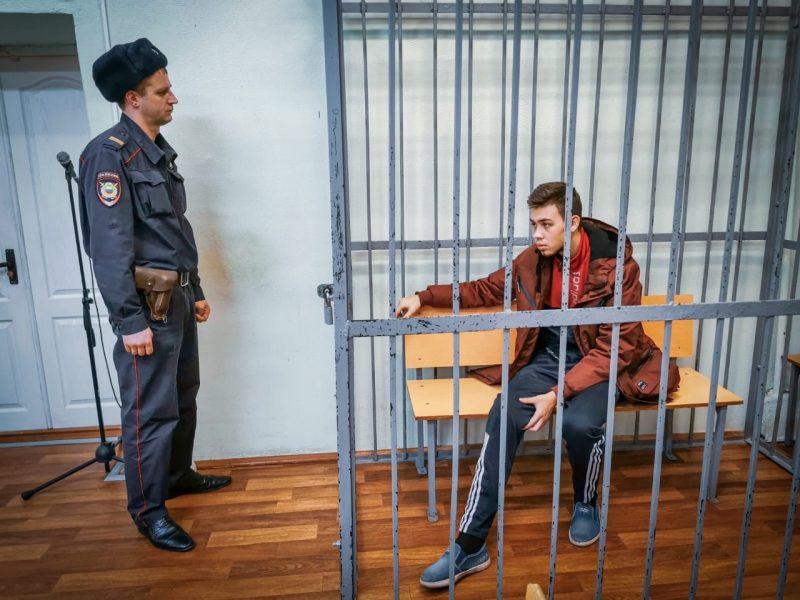 В Брянске мать предполагаемого виновника ДТП на Речной просит о домашнем аресте