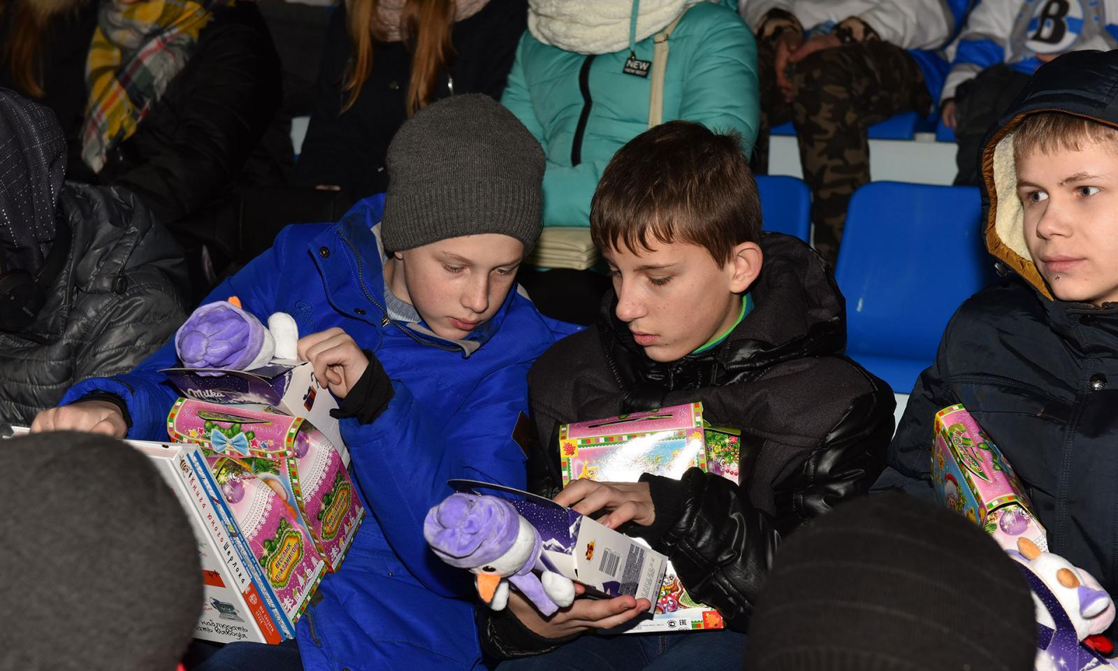 Юные брянцы сыграли в хоккей с командой из Донецка