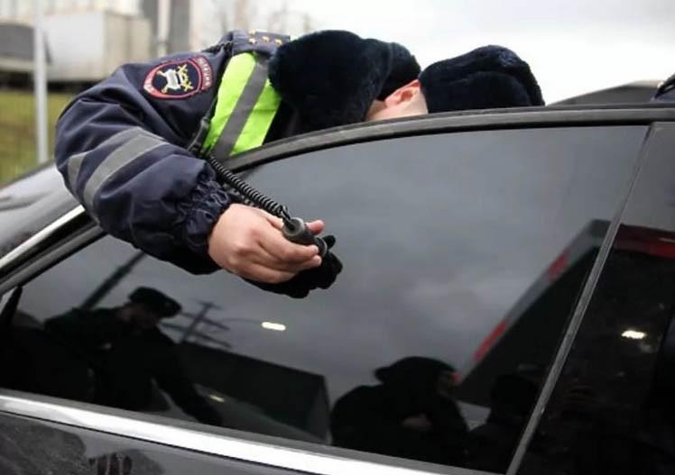 В Брянске гаишники поймали 380 водителей с тонировкой