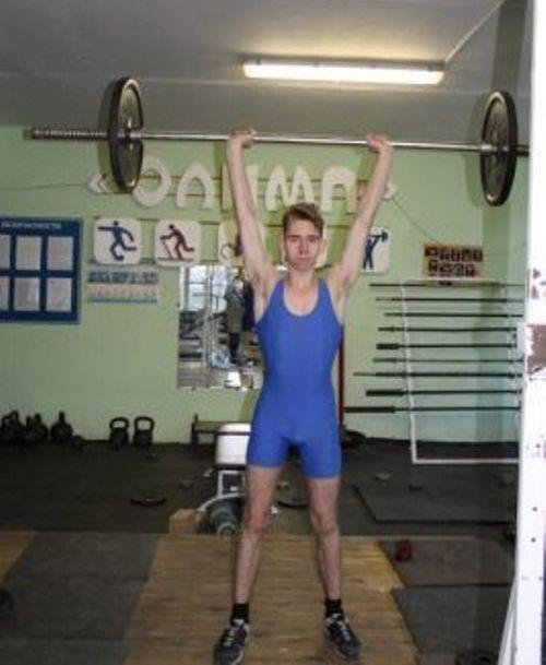 Брянский студент Игорь Федосов стал чемпионом области по тяжелой атлетике