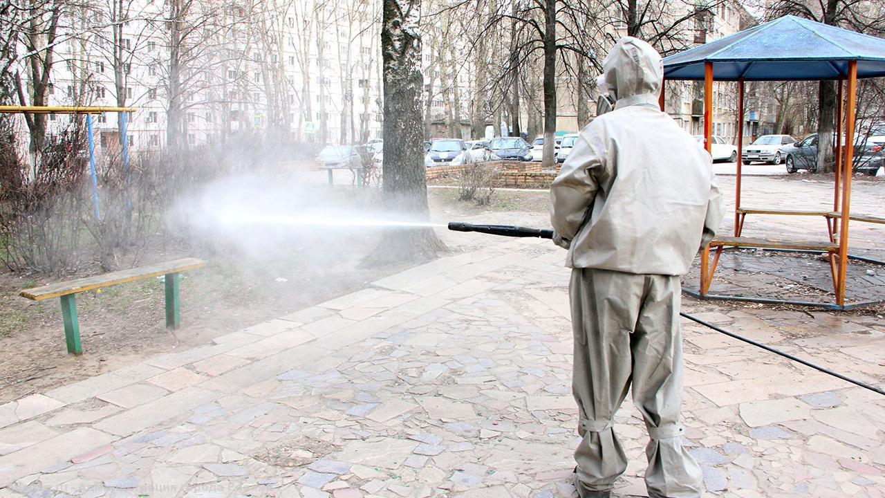 В Брянске продезинфицируют дороги, остановки и тротуары
