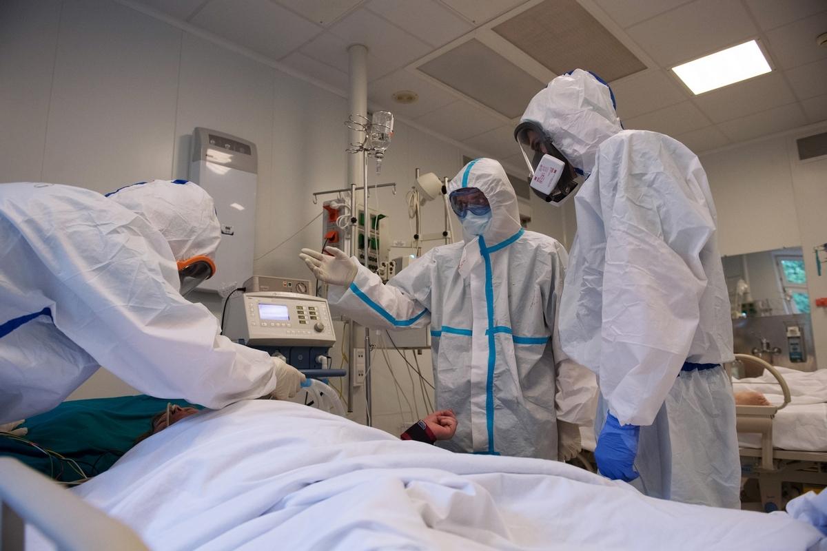 В Брянске началось страхование сотрудников госпиталей от заражения коронавирусом