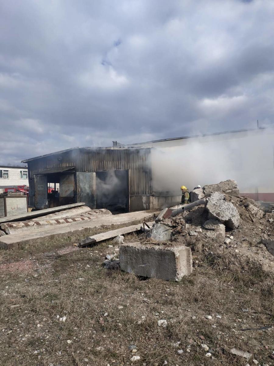 На улице Олега Кошевого в Брянске вспыхнул склад