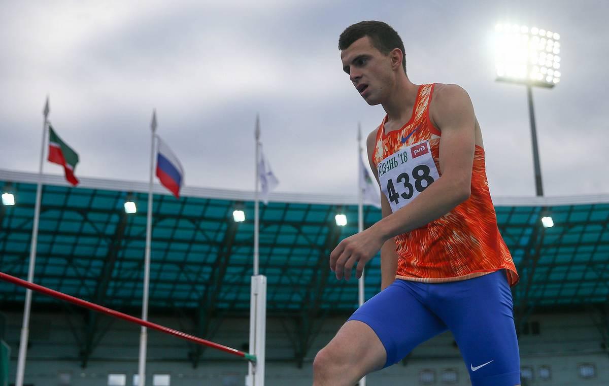 Брянский легкоатлет Илья Иванюк по прыжкам в высоту удерживает мировое первенство
