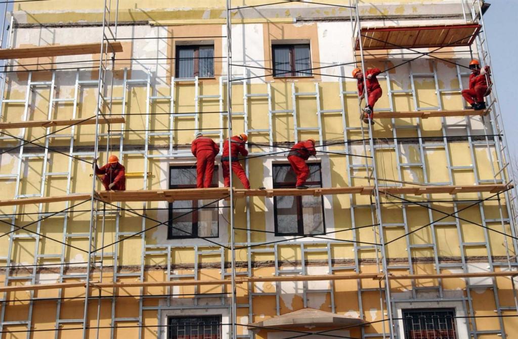 В Фокинском районе Брянска обновят ремонт в 13 домах