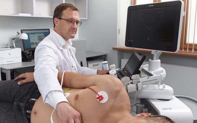 Специалисты Минздрава осмотрели брянских сердечников