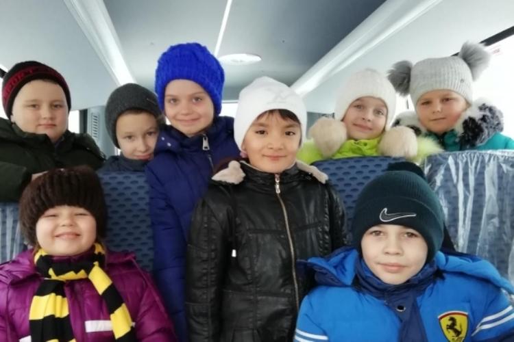 Школьники из Климово получили новый автобус