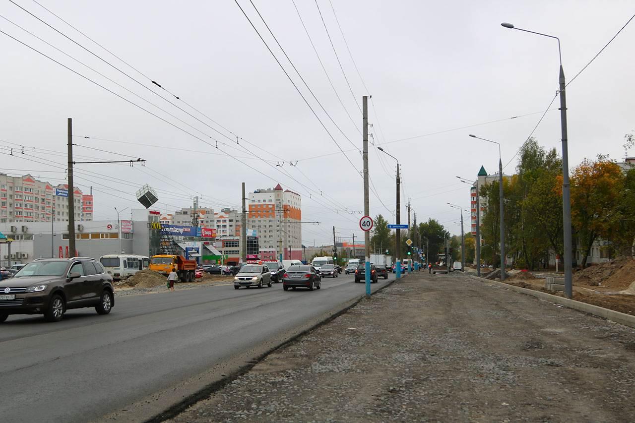 В Брянске около «Линии-1» столкнулись две иномарки