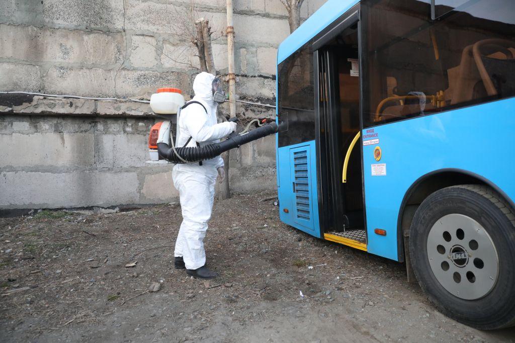 В Брянске продезинфицировали более 50 автобусов от коронавируса