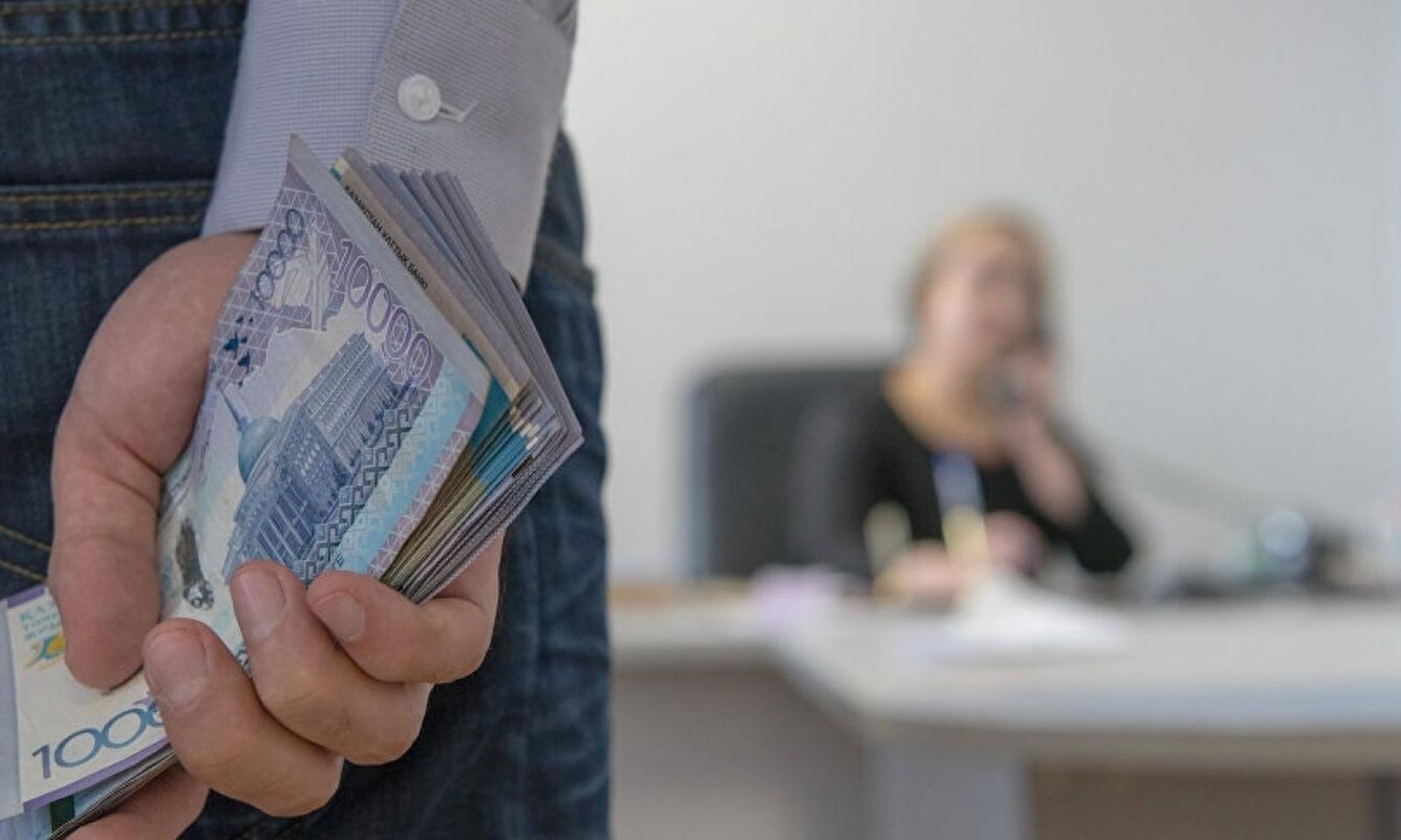 Школам Новозыбкова напомнили о борьбе с коррупцией