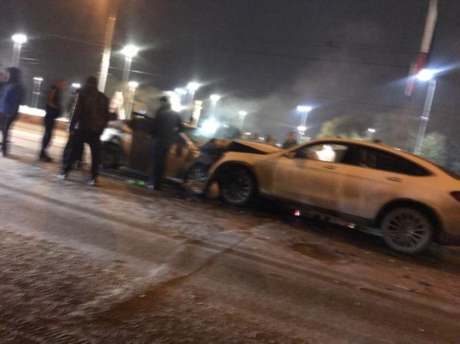 В Советском районе Брянска произошла серьезная авария, есть пострадавшие