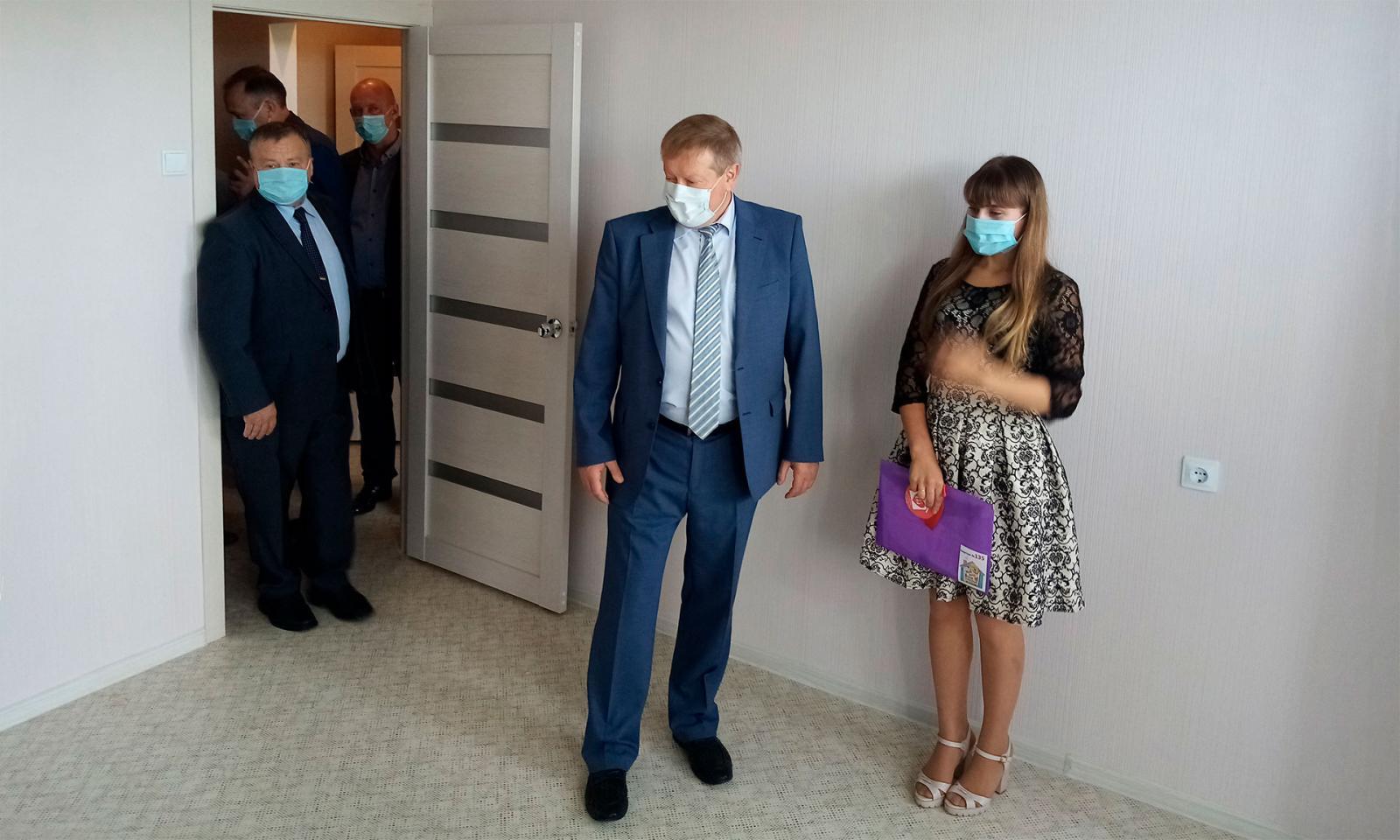 Дети-сироты из Брянского района получат 14 новых квартир