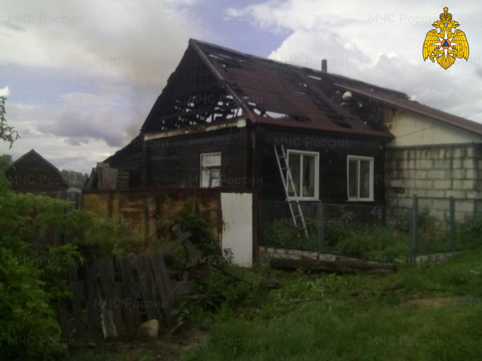 В Севске сгорел жилой дом