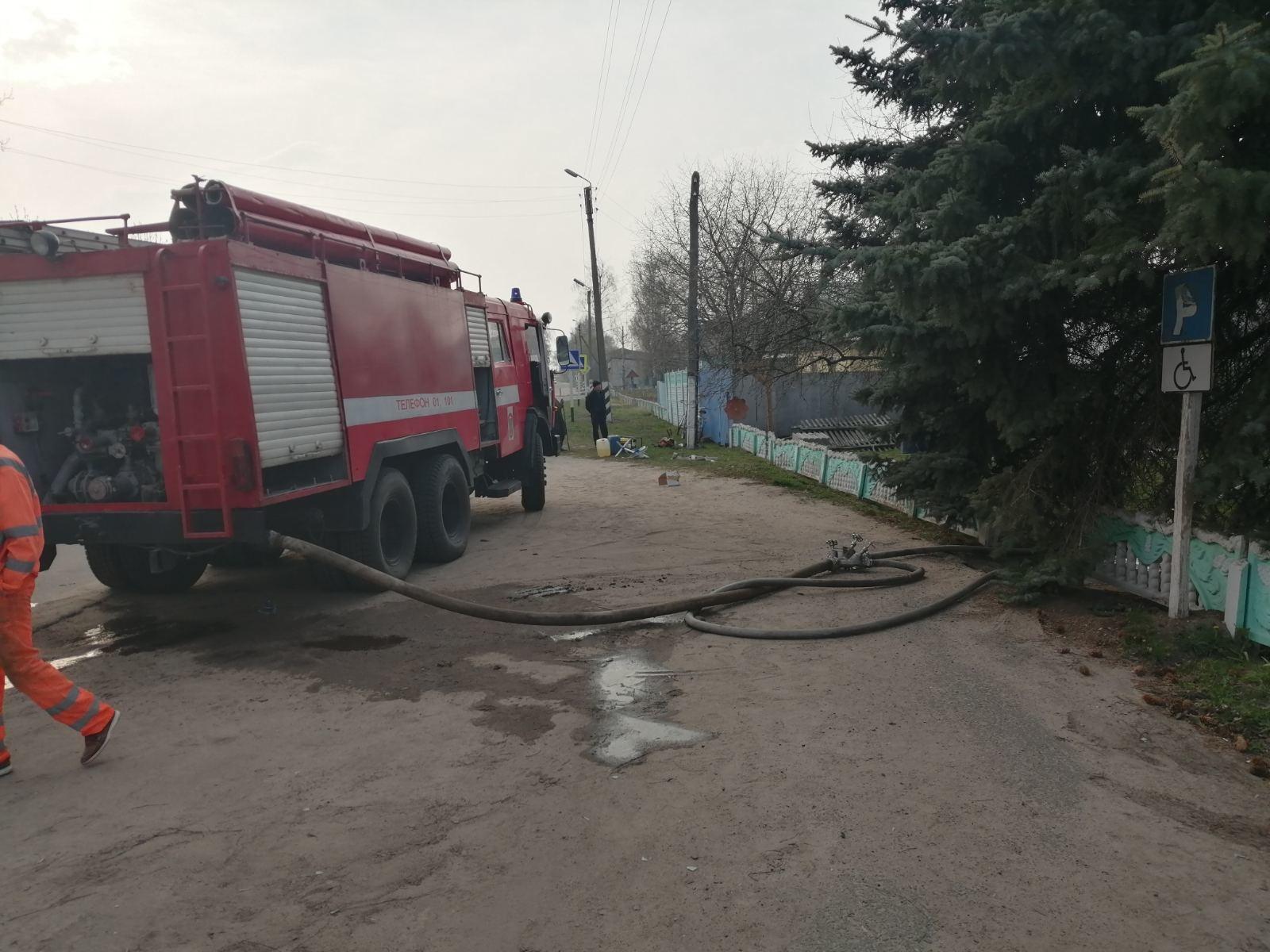 В Новозыбковском районе вспыхнуло здание