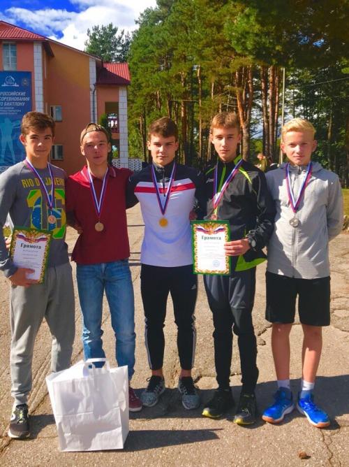 Брянские лыжники завоевали девять медалей