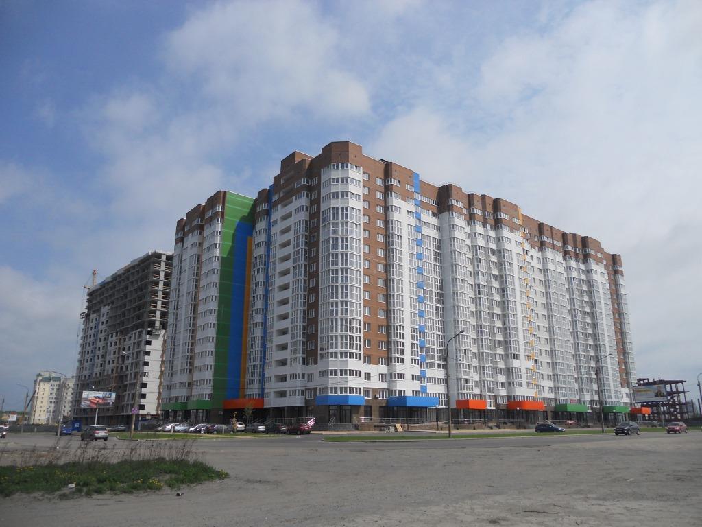 Участок дороги на пересечении улиц Горбатова и Войстроченко проверил Александр Богомаз