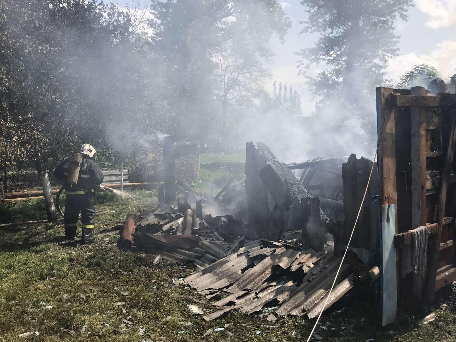 В Погарском районе сгорел гараж