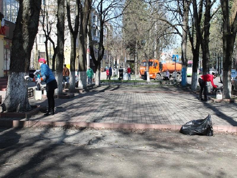 В Брянской области 90 тысяч жителей приняли участие во всероссийском субботнике