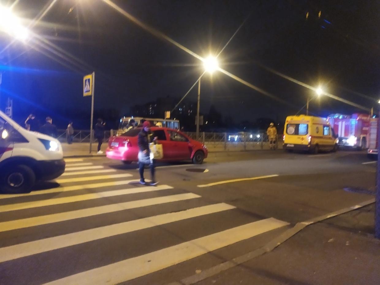 В Брянске неизвестный водитель сбил мужчину с собакой и уехал